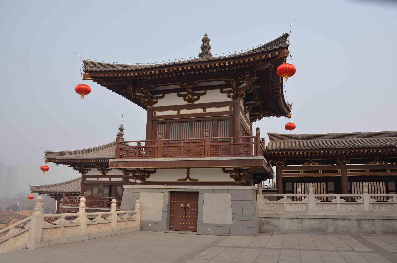 位于陕西西安市城东南铁炉庙村北的乐游原上
